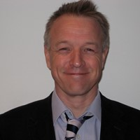 Andrew Ravenscroft is a Consultant in Pain Medicine at Circle Nottingham