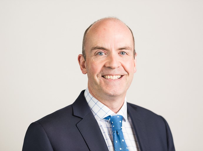David Shardlow is a Consultant Orthopaedic Surgeon at Circle Bath Hospital
