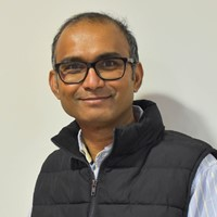 Senthil Kumar is a Associate Specialist Orthopaedic Surgeon at Circle Bath Hospital